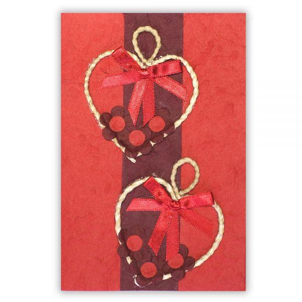 SAA Grußkarte | 2 Herzen mit Naturkordel auf rotem Grund