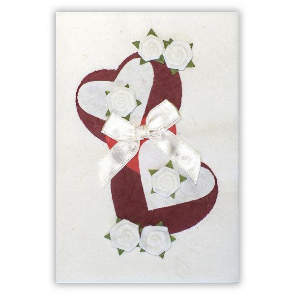 SAA Grußkarte | 2 dunkelrote Herzen mit weisse Blüten