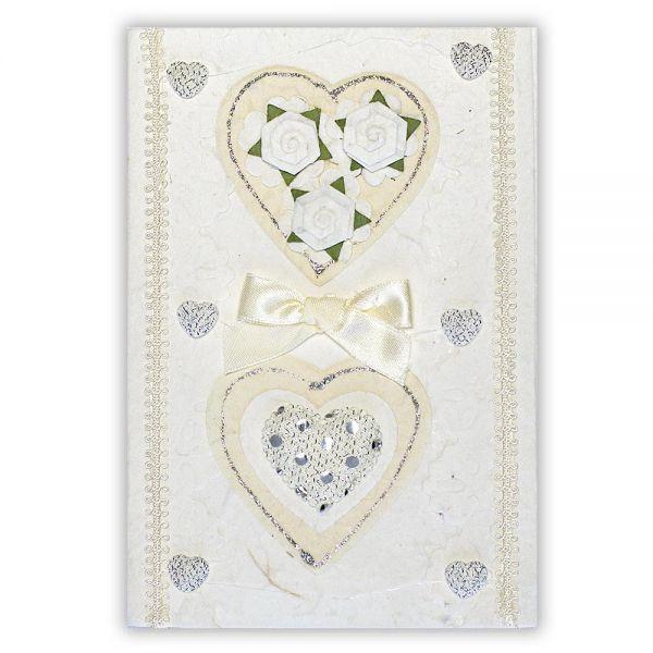 SAA Grußkarte | 2 weisse Herzen mit feiner Borte und Silberherzen