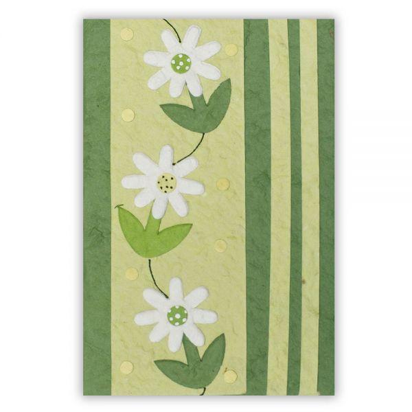 SAA Grußkarte | 3 weisse Blüten auf grünem Hintergrund