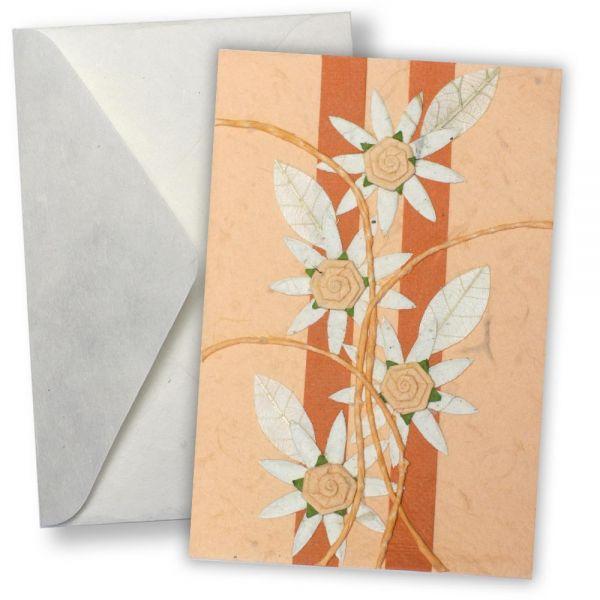 SAA Grußkarte | 4 weiße Blüten mit weißen Blätter auf rose