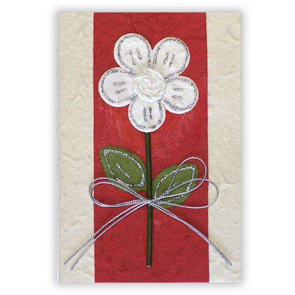 SAA Grußkarte | große weisse Blume mit Silberschleife auf rotem Grund