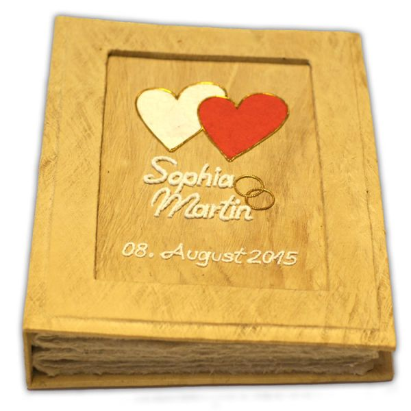 Hochzeits Fotoalbum Nr. 22 ~ zweifarbige Herzen mit Goldringe und Namen.