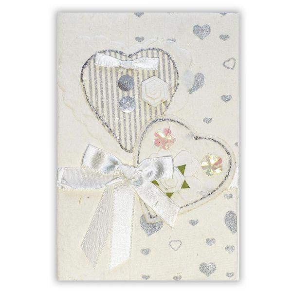 SAA Grußkarte | 2 weisse Herzen mit weisser Schleife und Silberherzen