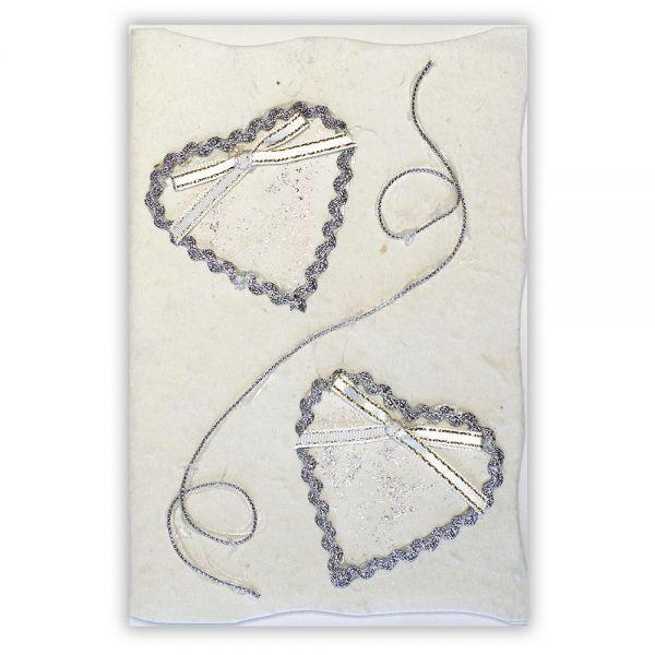 SAA Grußkarte | silberne Herzen mit Ornamentschleife